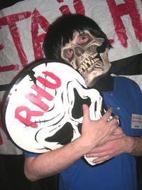Skull hug