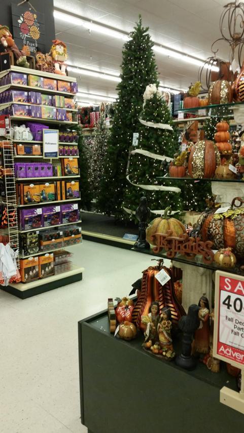 Cvs Christmas Lights.Retail Hell Underground The Christmas Creep Is On Cvs